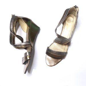 Joan & David Luxe | Sardia Metallic Sandal